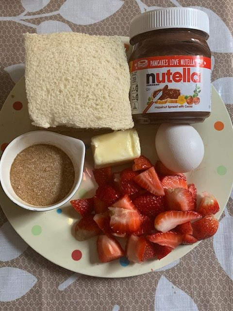 Nutella+and+Strawberry+Rolls1
